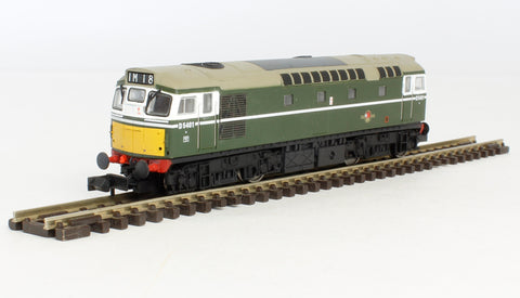 Class 27 D5401 in BR green with small yellow panels.