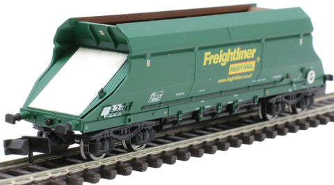 HIA aggregate limestone hopper 369008 in Freightliner green livery