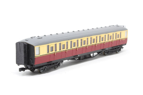 Gresley BR Carmine & Cream 2nd Class E12283E LBR - Pre-owned - detailed with gangway connections and knucle couplings, imperfect box