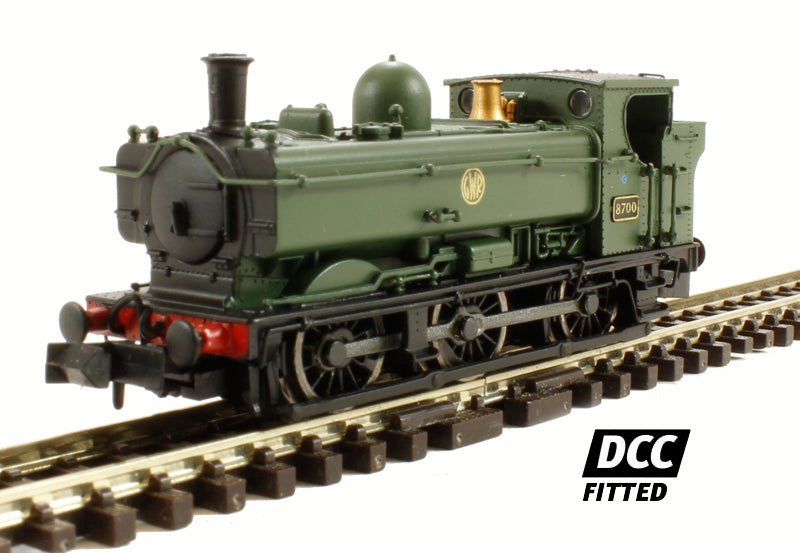 Class 57xx Pannier 0-6-0 8700 in GWR green with shirtbutton emblem - DCC Fitted