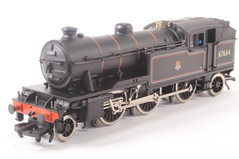 Class V1 37409 Tank Locomotive 67664 in BR Black Livery with Early Emblem - Pre-owned - imperfect box