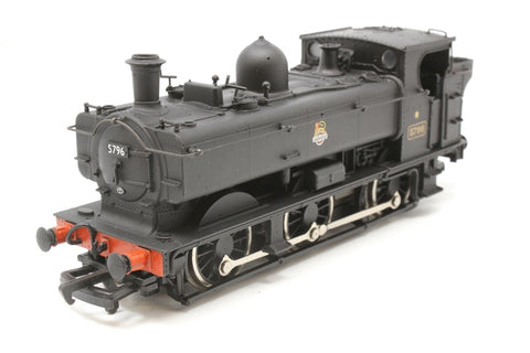 Class 57XX 0-6-0 pannier tank 5796 in BR black with early emblem - Pre-owned - minor wear to finish - fair box