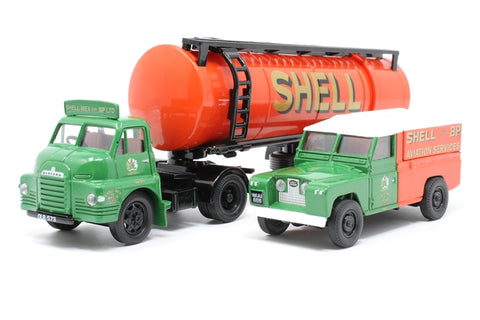 'Shell/BP' Articulated Cylindrical Tanker and Land Rover Set - Pre-owned - Like new