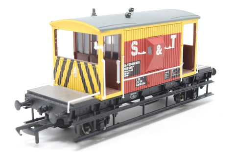 20 Ton 16ft. Standard Brake Van KBD954164 in BR 'S & T' Engineers Department Red & Yellow Livery - Limited Edition for Model - Pre-owned - replacement box