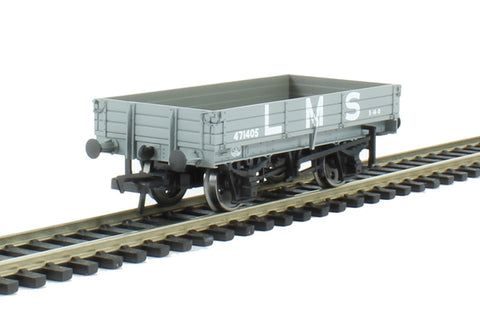 3 plank wagon in LMS grey