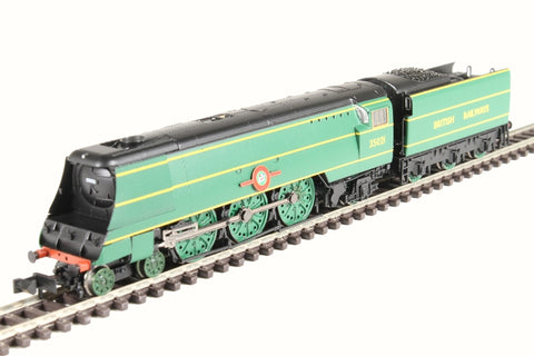 Class 21C1 Merchant Navy 4-6-2 35021 'New Zealand Line' in BR Malachite green