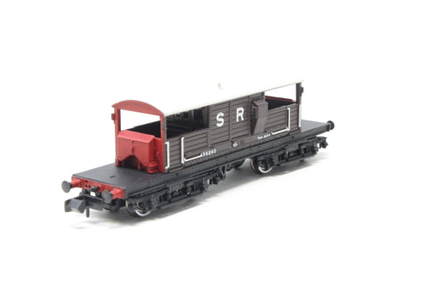 Bogie 'Queen Mary' brake van in SR brown - Pre-owned - missing coupling
