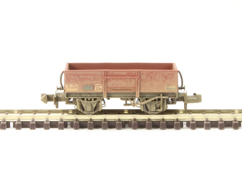 13 Ton High Sided Steel Wagon (Chain Pockets) in BR bauxite (late) - weathered