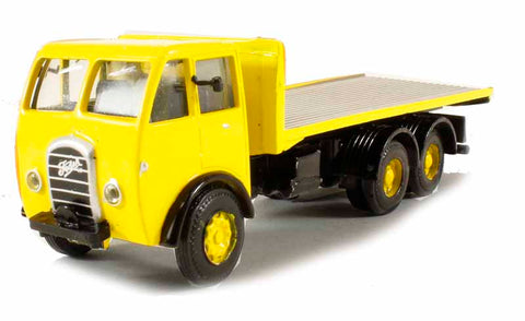 Foden DG 3 Axle Flatbed in yellow (circa 1947-1957)