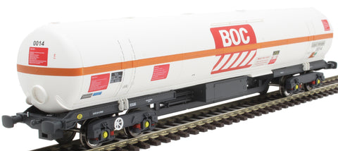100 ton BOC tank in BOC Liquid Nitrogen livery with red stripe and GPS bogies - 0014