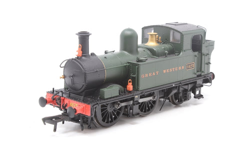 Class 48xx 0-4-2T 4825 in GWR unlined green with Great Western lettering - Pre-owned - detailed with lamps - very good box