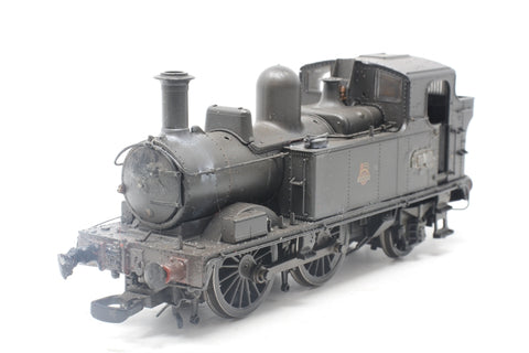 Class 14xx 0-4-2T 1474 in BR Unlined black with early emblem - Heavily weathered - Pre-owned - damage to front buffer, damage to pony truck causing derailing - visible glue marks - imperfect box