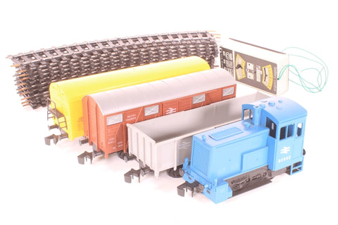 Freight Train Set - Includes 0-4-0 Shunter in BR blue, plus 3 x Wagons
