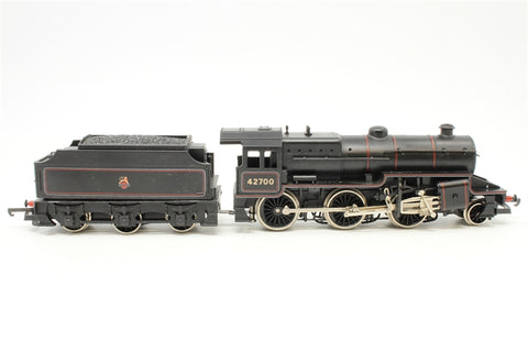 Class 5 Crab 2-6-0 42700 in BR Black with early crest - Pre-owned - minor wear to paintwork on numbering - poor box