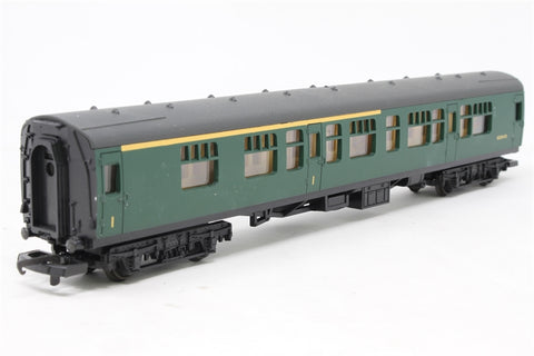 Mk1 Corridor Composite in BR Southern Region Green - Pre-owned - Like new