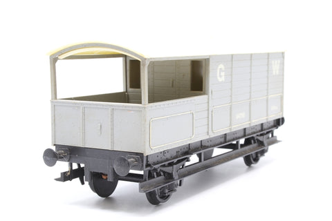 20T Toad Brake Van 114756 in GW Grey - Pre-owned - sun bleached roof - chipped paintwork - missing couplings - replacement box