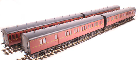 Pack of four GWR 'B' set coaches in BR maroon -