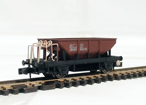 Dogfish wagon 993367 in rusty livery