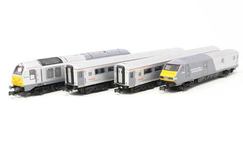 Class 67 Bo-Bo Diesel 67013 in Wrexham & Shropshire Livery with 2x Mk3 coaches and Mk3 DVT to match - Pre-owned - Like new