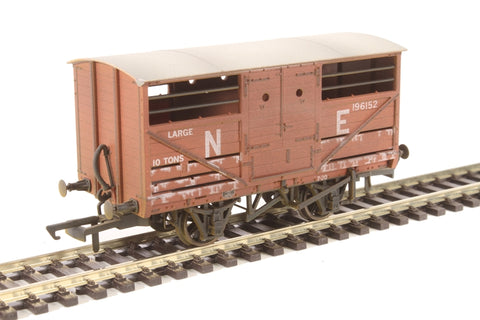 4-wheel cattle wagon 196152 in LNER bauxite with lime washed weathered finish