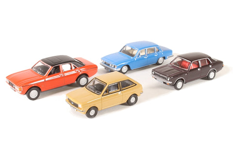Pack of four assorted 1980s cars for Carflat wagons