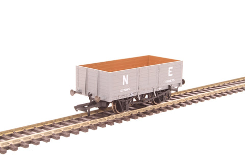 6-plank mineral wagon 150475 in LNER grey