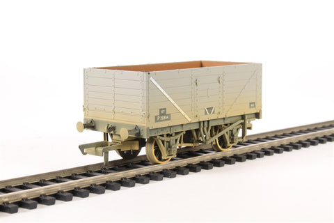 7 plank wagon in BR grey - weathered
