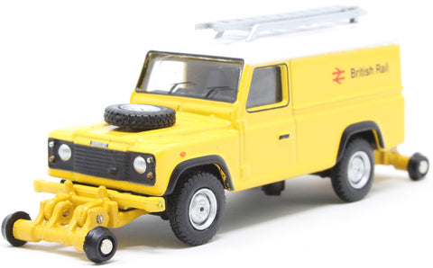 Land Rover Defender 110 with posable rail wheels -
