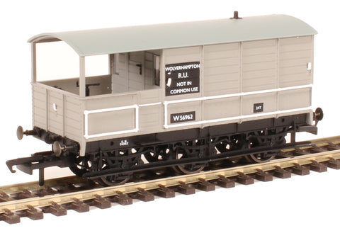 GWR diagram AA3 6-wheel 'Toad' brake van W56962 in BR grey -