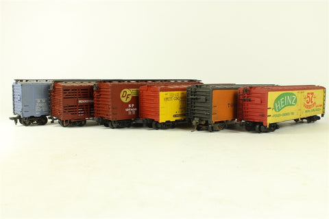 Bulk pack of mixed HO wagons - 6* box cars (various coupling types)