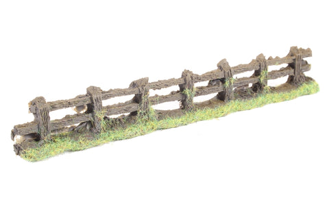 Rustic wooden fence - 150mm