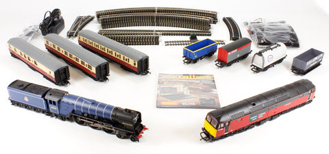 e-Link Majestic digital train set with Class A1 4-6-2 in BR blue and Class 47 diesel