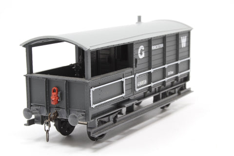 G.W.R 20 Ton Brake Van - Old Oak Common 68859 - Pre-owned - detailed with chain link couplings and lamp - renumbered - imperfect box