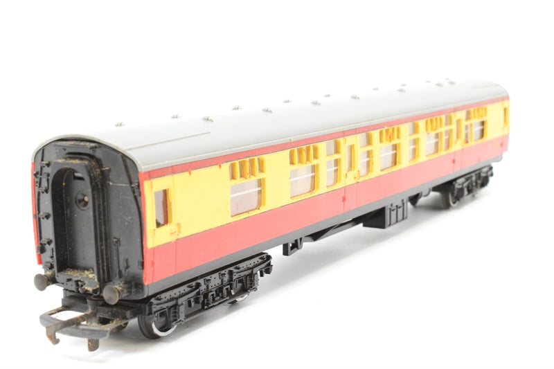 BR composite coach '15210' - Pre-owned - marks on roof and body - one bogie has replacement axles - replacement box