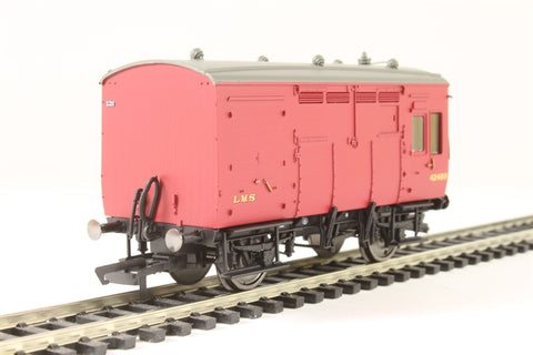 Horse box 42489 in LMS maroon
