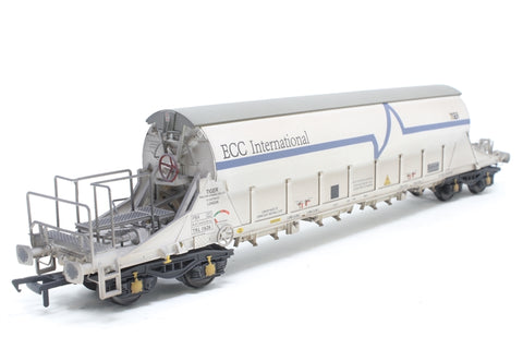 PGA Tiger Clay Wagon ECC International White TLR 11626 Exclusive to Kernow Model Rail Centre