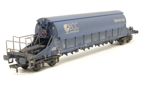 PGA Tiger Clay Wagon ECC 33 70 9382068 (weathered) Exclusive to Kernow Model Rail Centre