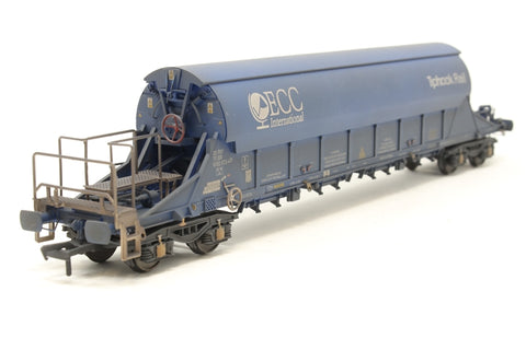 PGA Tiger Clay Wagon ECC 33 70 9382072 (weathered) Exclusive to Kernow Model Rail Centre