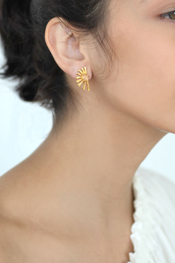Tato Feather Studs- S