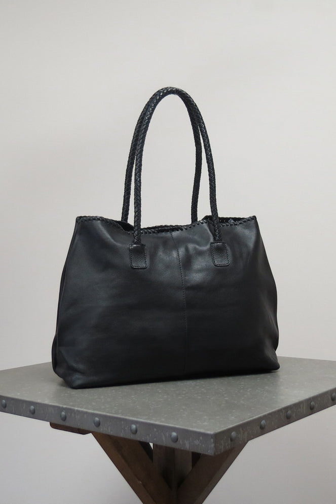 SHILOH BAG | BLACK - Caite & Kyla