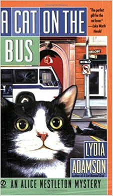 A Cat on the Bus (An Alice Nestleton Mystery)
