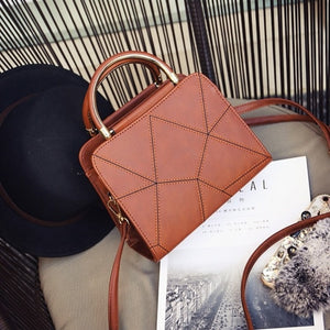 New 2019 woman's handbags, trend leisure messenger bag, simple Korean version women bag, retro geometric flap.