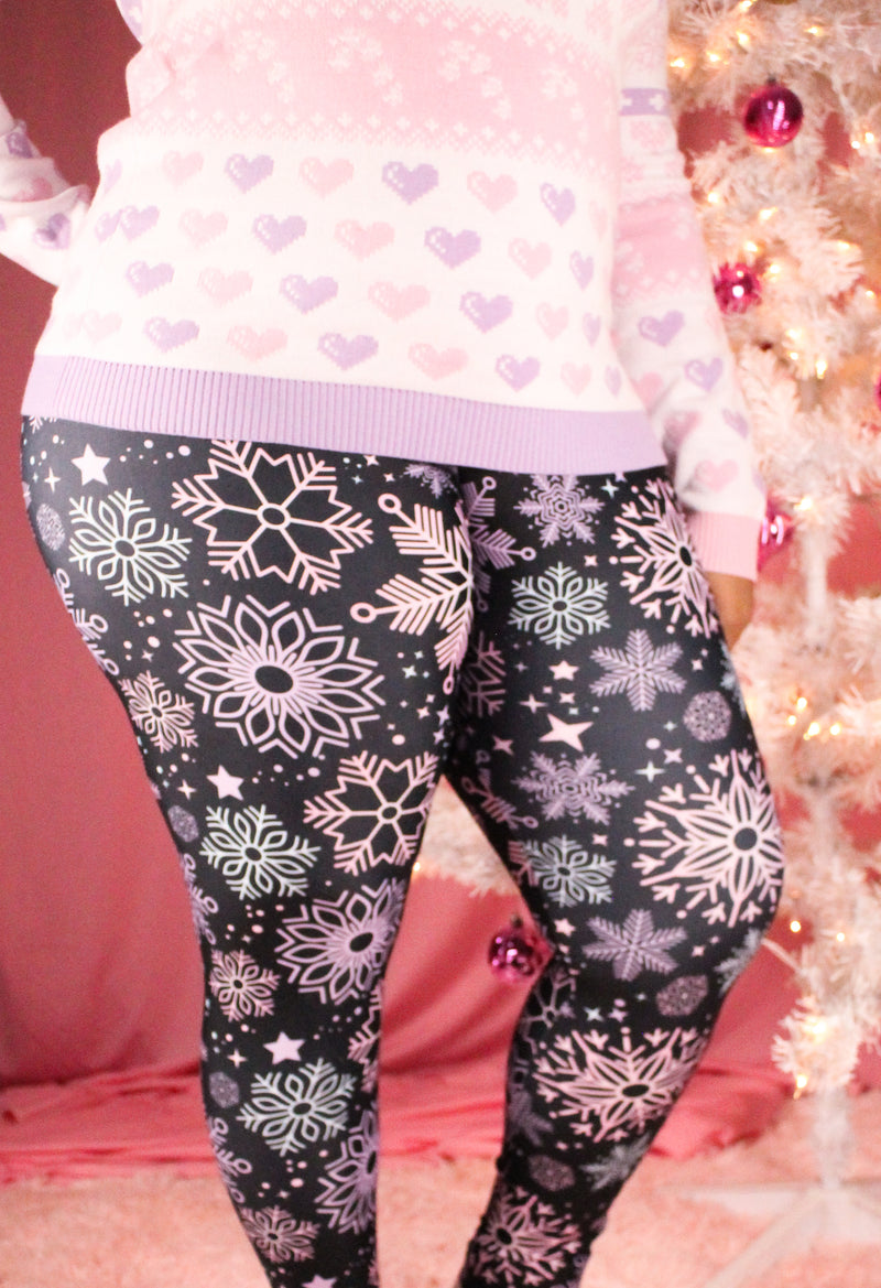 Pastel Snowflake Leggings PLUS