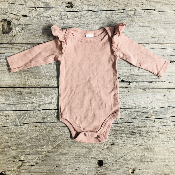 Gently Used Long Sleeve Bodysuit, 0-3 months