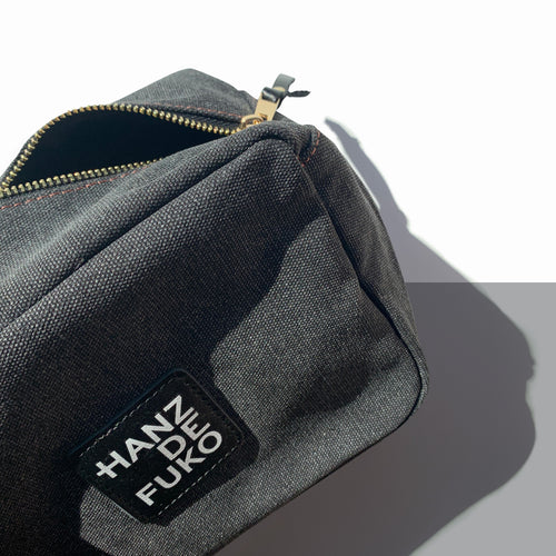 LIMITED EDITION DOPP KIT