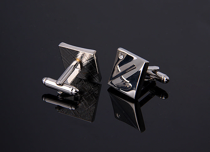 CURVED SQUARE WITH A CRYSTAL CUFFLINKS
