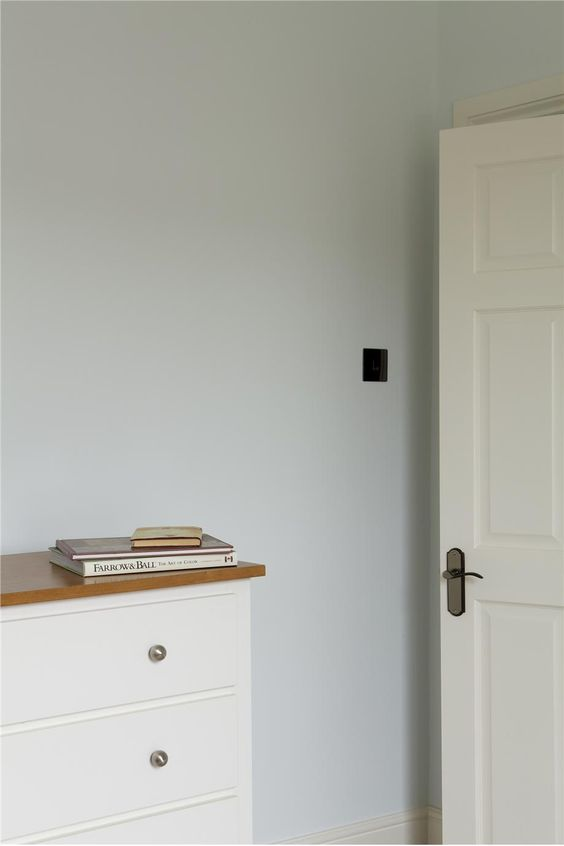 Farrow and Ball Cabbage White