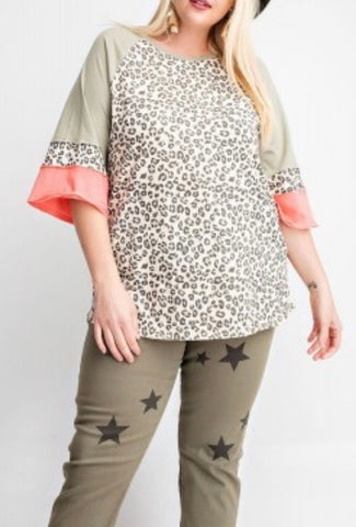It's So Chic Leopard Curvy Top