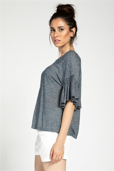 Line like Stripe with Smock Sleeve
