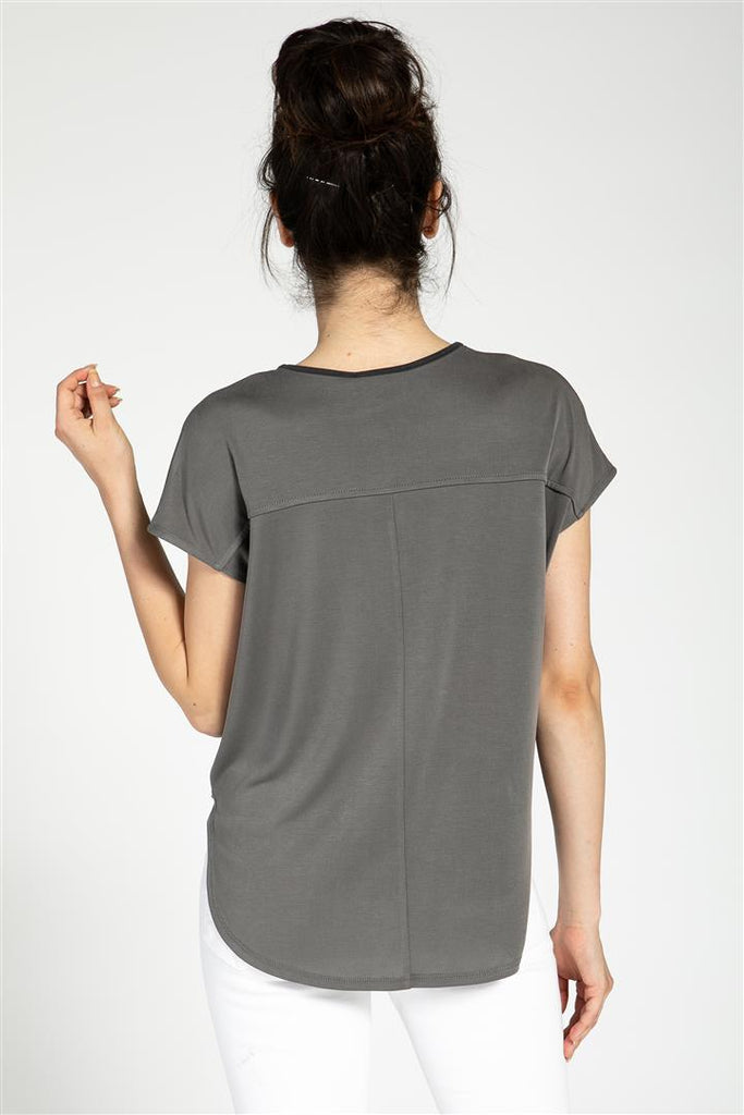 Contrasted Binding Twist Front Top
